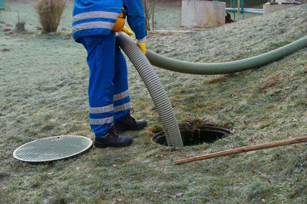 septic tank emptying emergency